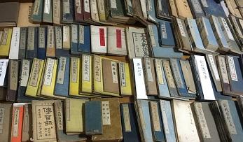 春日井市での古書をお売りになりたい、片付けたいに対応致します。